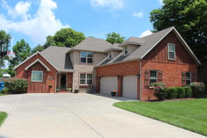253 East Grace Street, Republic, MO 65738