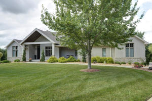 4396 East Bogey Court, Springfield, MO 65809
