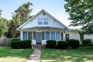 702 East Prairie Lane, Ash Grove, MO 65604