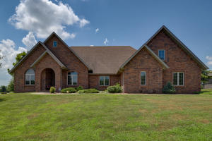 108 East Ironwood Drive, Republic, MO 65738