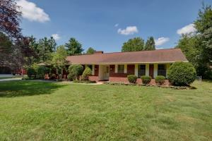 2239 South Marlan Avenue, Springfield, MO 65804
