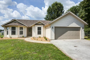 107 West Meadowbrook Avenue, Clever, MO 65631
