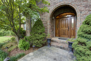 3585 South Woodland Trail Avenue, Springfield, MO 65809