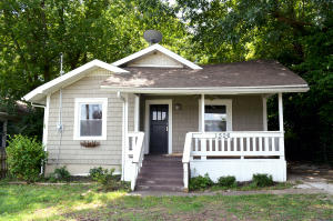 1506 East Olive Street, Springfield, MO 65802