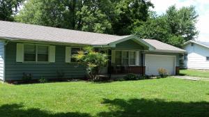 203 South Lynne Drive, Willard, MO 65781