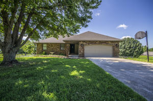 7328 West Chalarren Drive, Willard, MO 65781