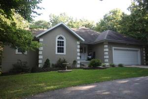 7740 West Carl Avenue, Springfield, MO 65802