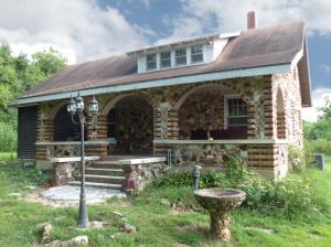 10542 West Farm Road 84, Ash Grove, MO 65604