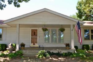 7157 North Farm Road 105, Willard, MO 65781