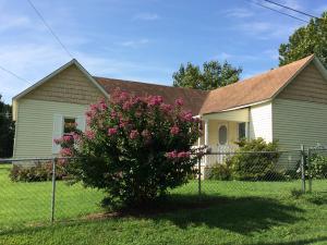 326 East Cleveland Avenue, Walnut Grove, MO 65770