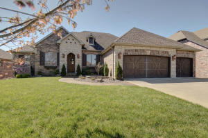2732 East Woodford Street, Springfield, MO 65804