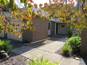 2118 East Lakewood Street, Springfield, MO 65804