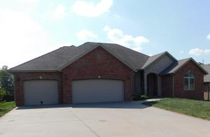 5218 East Wild Horse Drive, Springfield, MO 65802