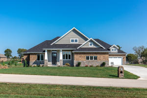 4069 East Brookdale Terrace, Springfield, MO 65802