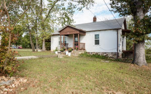 504 South Old County Road