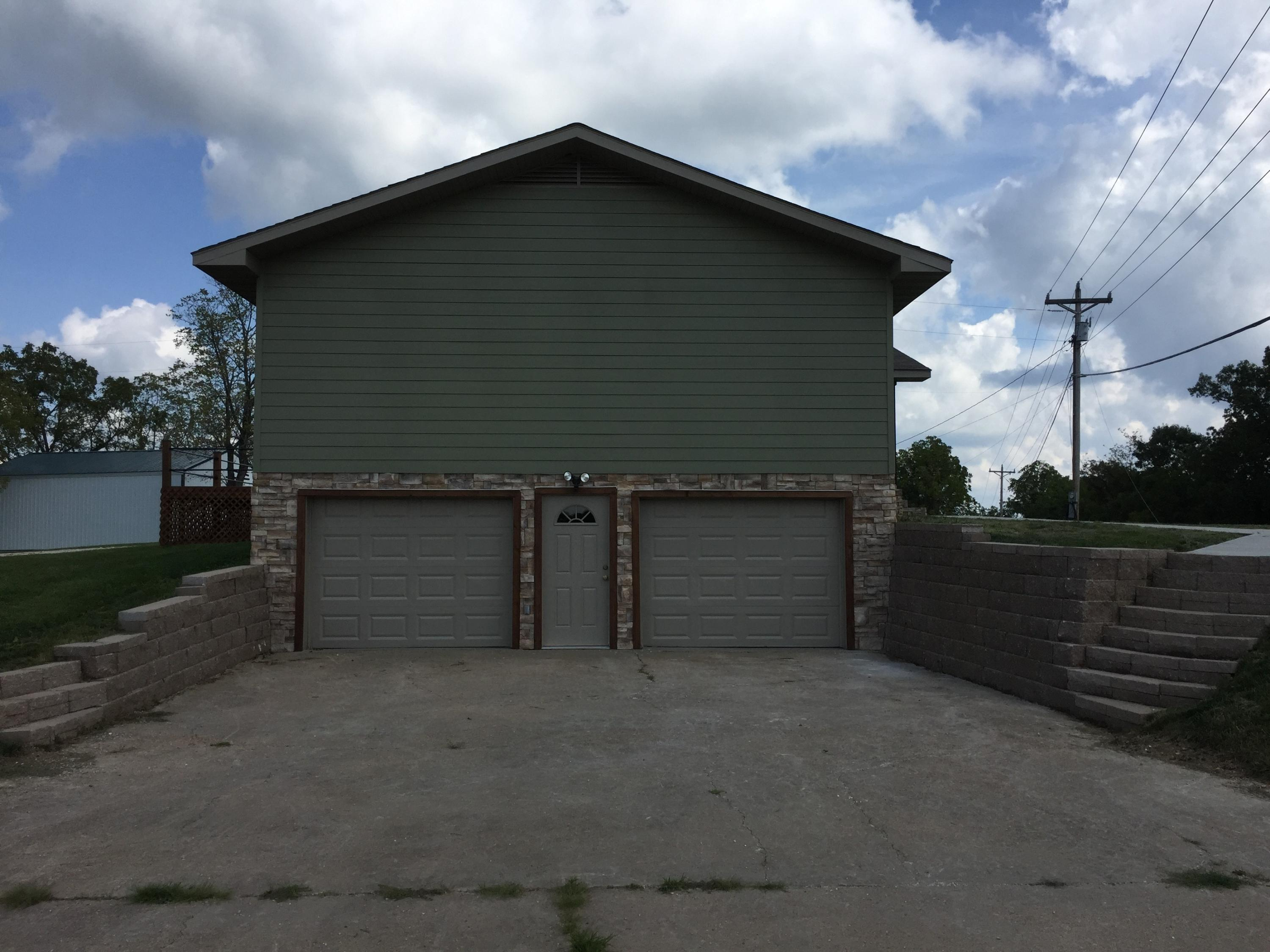 4877 East State Highway 248 Reeds Spring, MO 65737