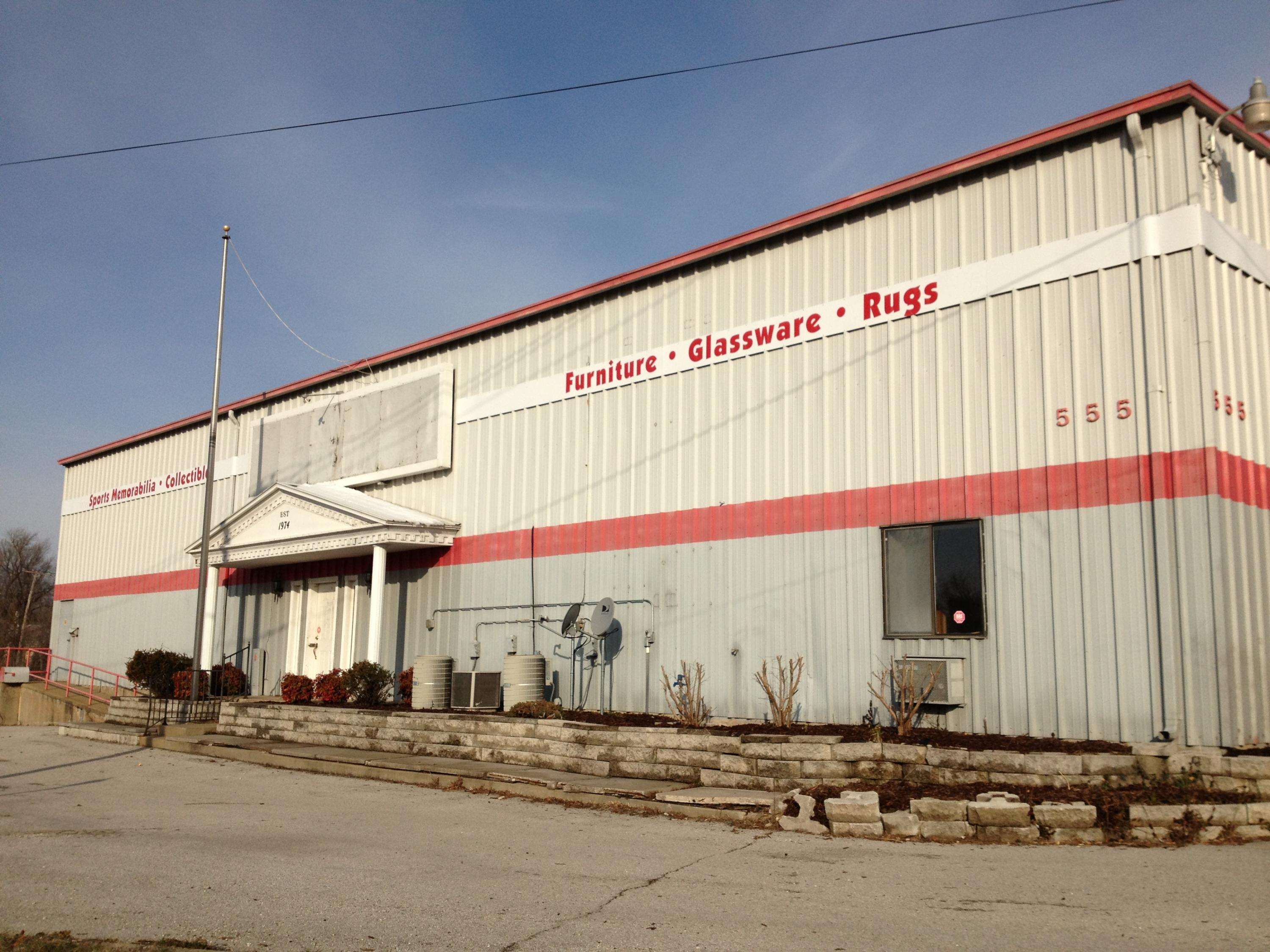 In Springfield | Bedroom(s) Commercial Industrial $6 MLS# 60095415 |  Springfield Commercial Industrial