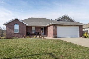 647 North White Rock Avenue, Republic, MO 65738