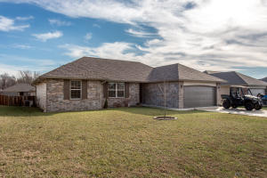 1290 South Rome Avenue, Republic, MO 65738