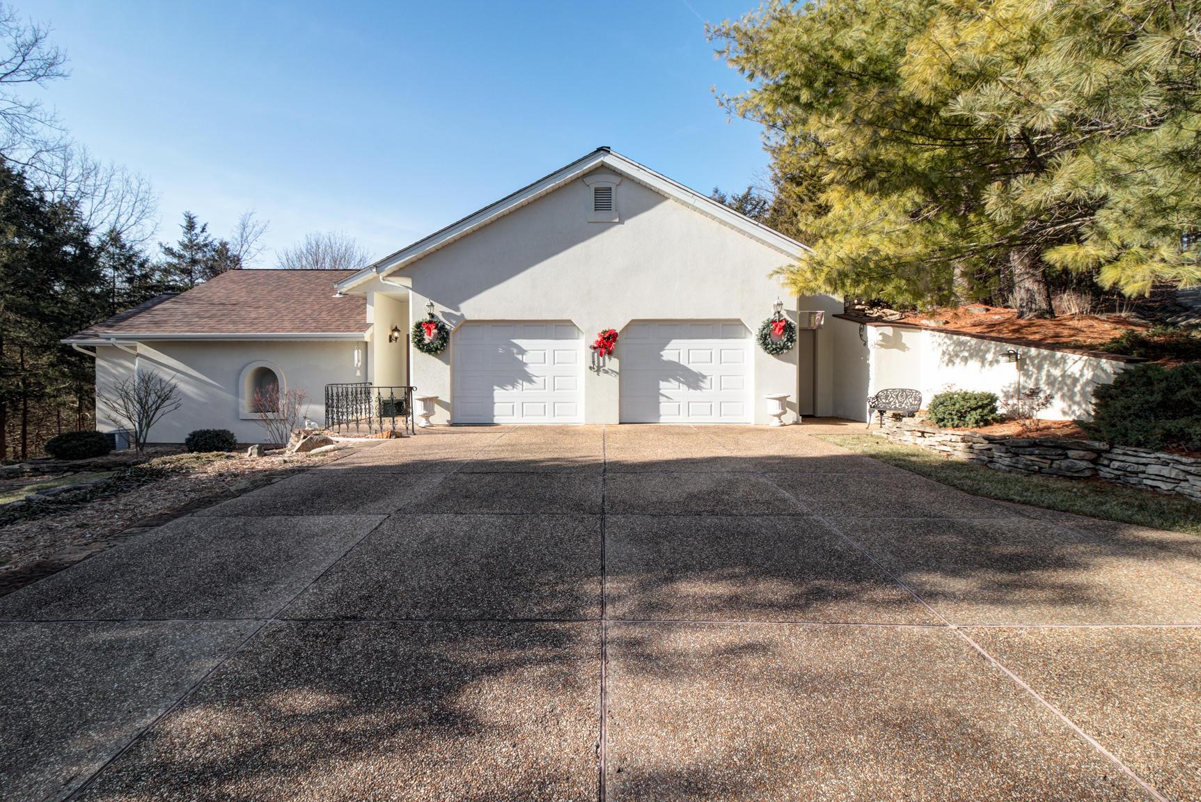 375 South Emory Creek Lane Branson, MO 65616