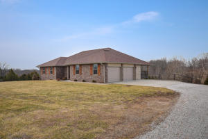 3077 Hidden Valley Road, Clever, MO 65631