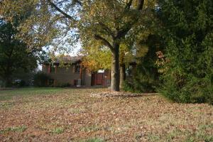1427 West Farm Rd 178