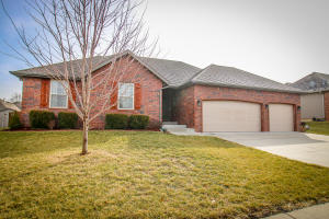 5750 Lexington Avenue South, Springfield, MO 65810