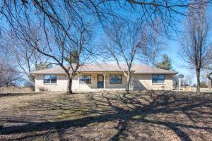 8425 Meadow Lake Drive, Willard, MO 65781