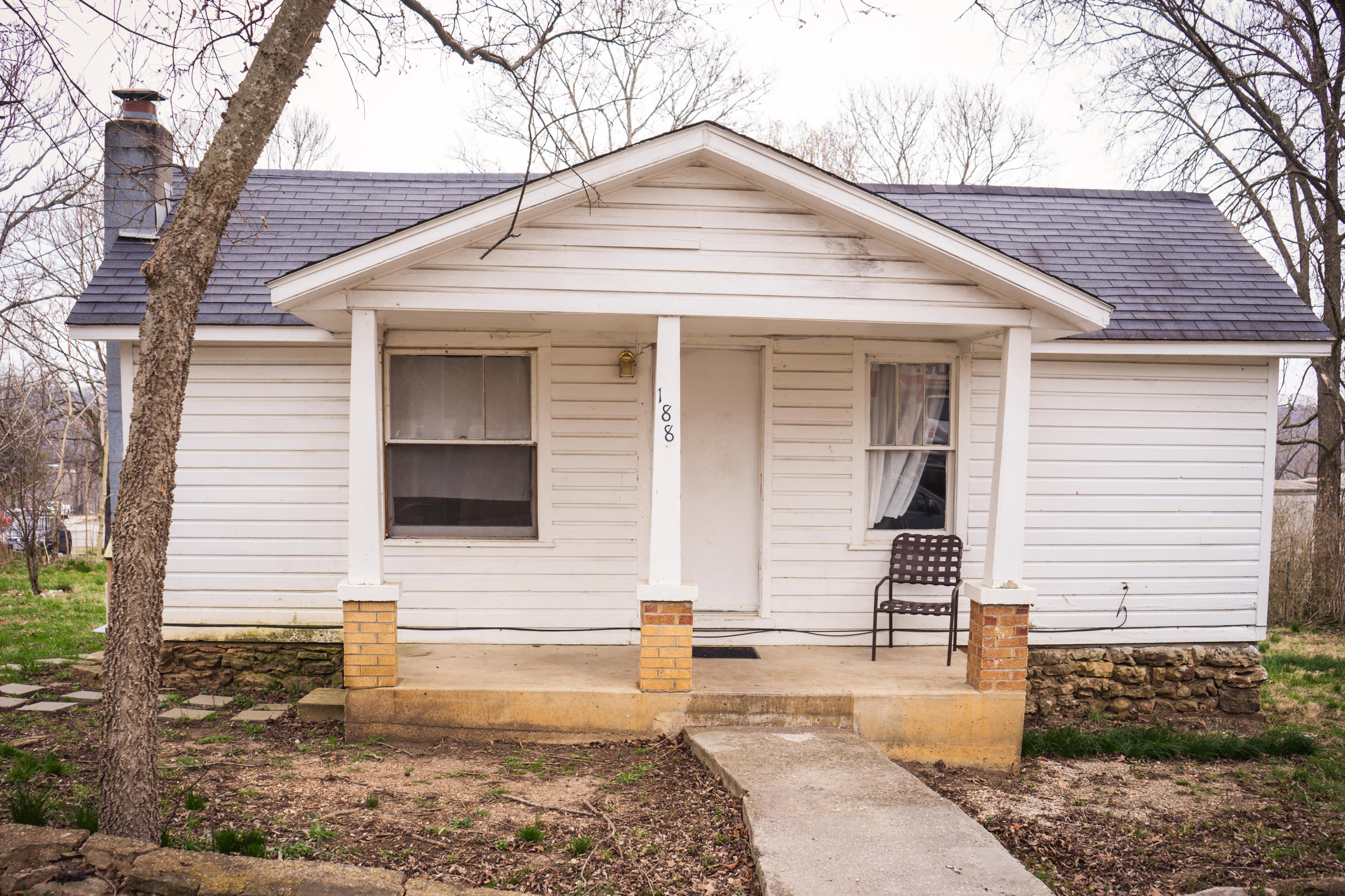 188 Walnut Street Hollister, MO 65672