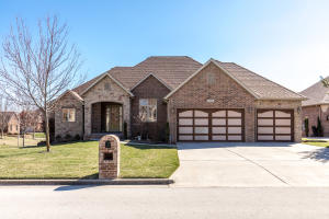 2834 East Woodford Street, Springfield, MO 65804