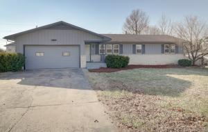 409 South Jonathan Avenue, Springfield, MO 65802