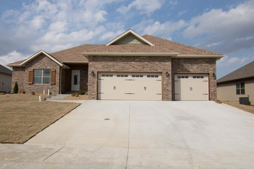 5694 East Park Place Strafford, MO 65757