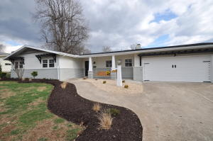 2638 East Southern Hills Boulevard, Springfield, MO 65804