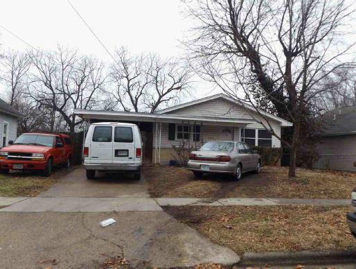 2215 North Travis Avenue Springfield, MO 65803