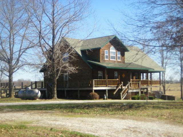 150 Connolly Road Raymondville, MO 65555