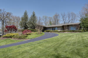 5346 South Woodcliffe Drive, Springfield, MO 65804