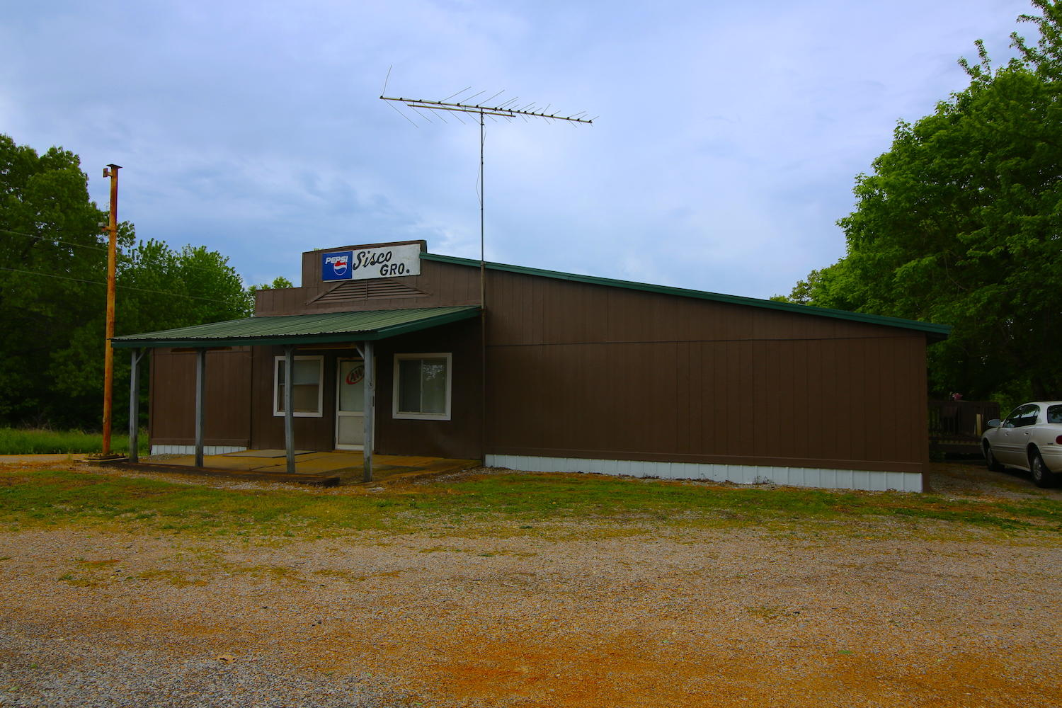 2247 Rural Route 72 Alton, MO 65606