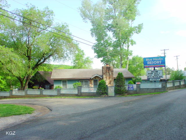 1851 Lakeshore Drive Branson, MO 65616