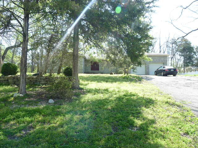 145 Country Hills Drive Branson, MO 65616