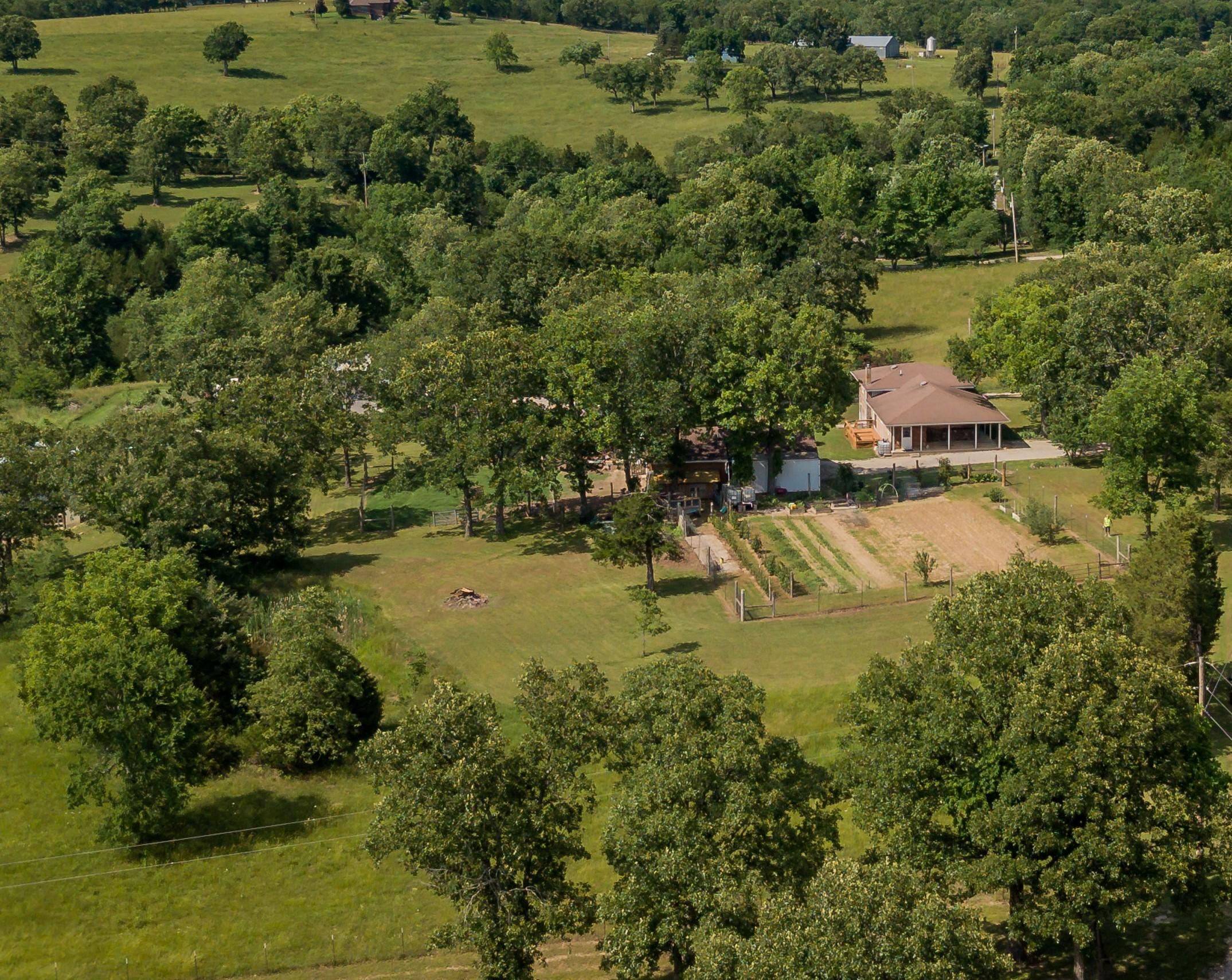 716 Yandell Cove Road Kirbyville, MO 65679