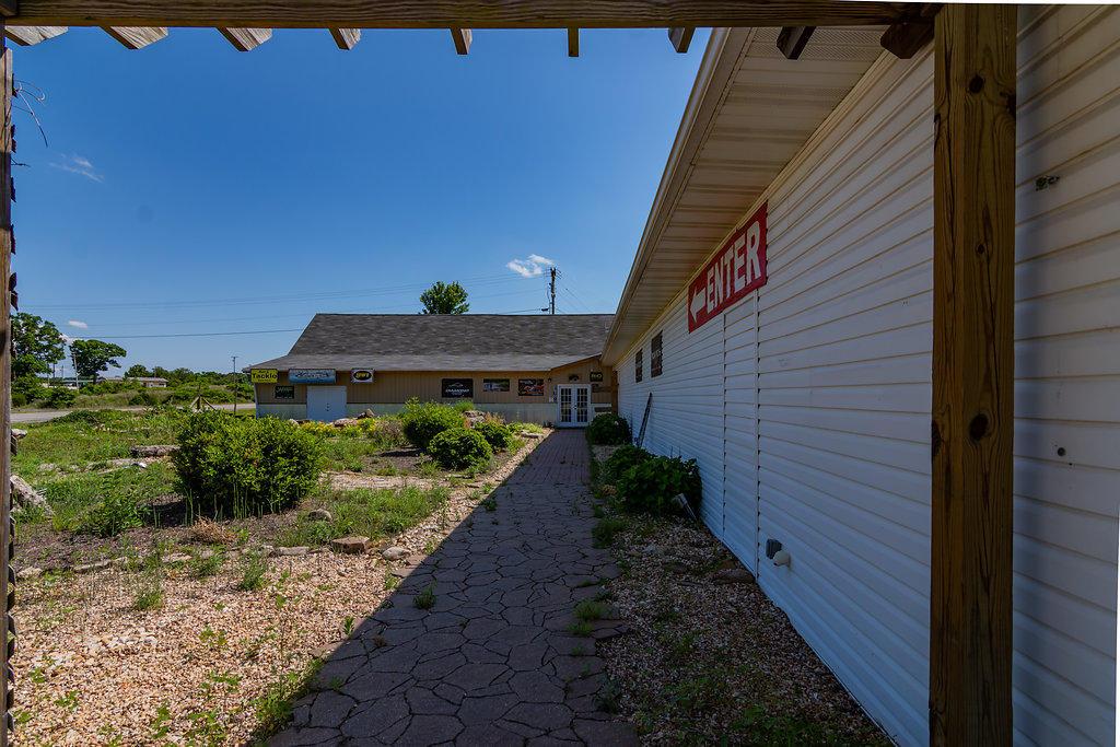 3583 Us-160 Reeds Spring, MO 65737
