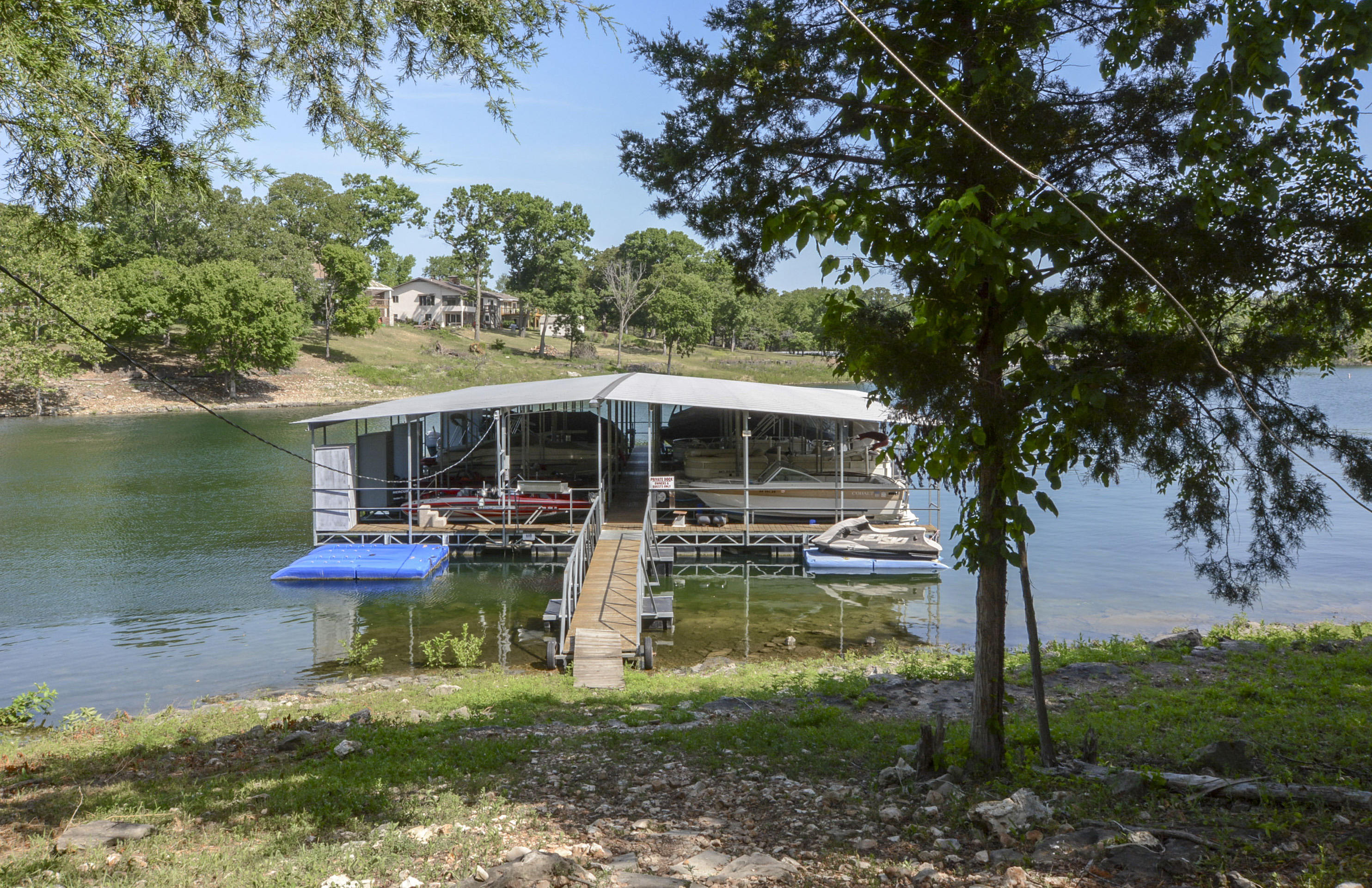 227 Lakeshore Drive Blue Eye, MO 65611