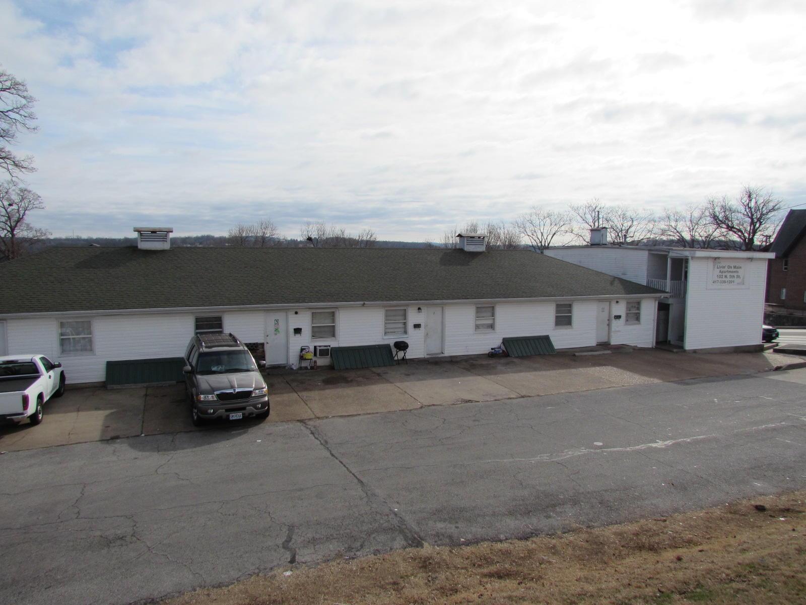 102 N 5TH Street Branson, MO 65616