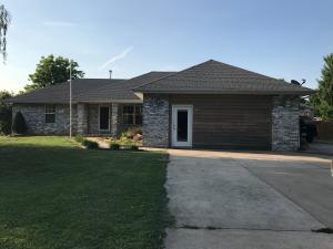 107 West Hughes Road, Willard, MO 65781