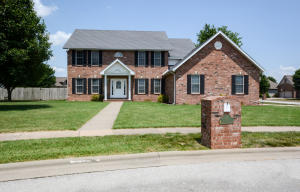 917 East Valley View Road, Republic, MO 65738