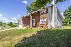 3350 South Sunrise Avenue, Springfield, MO 65807