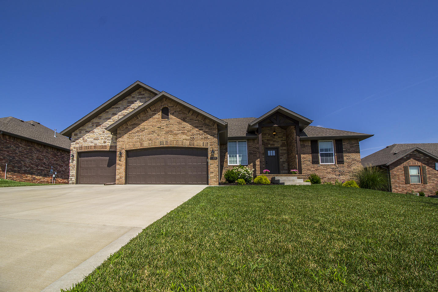 5714 South Cottonwood Drive Battlefield, MO 65619
