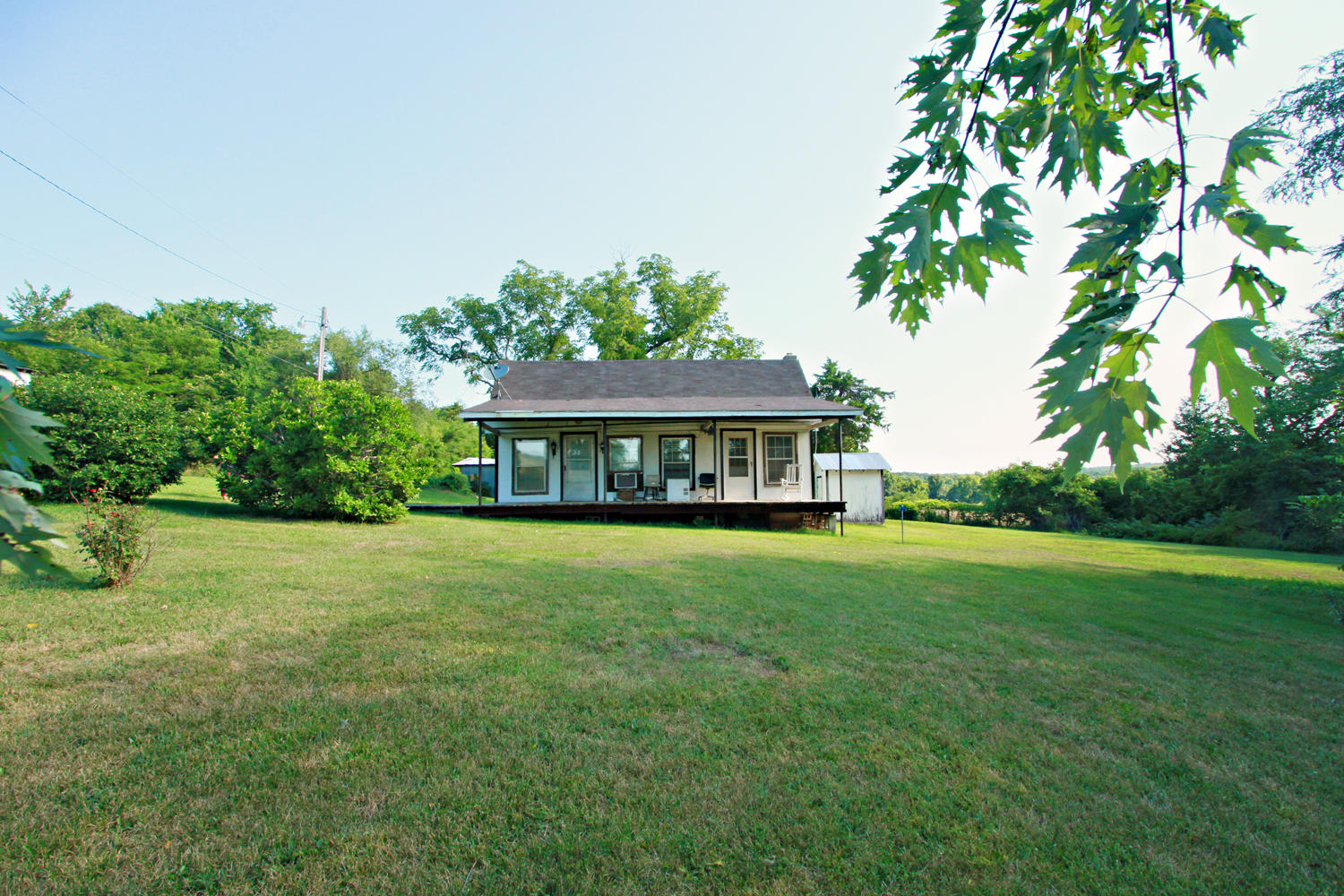 1350 Black Horse Road Conway, MO 65632