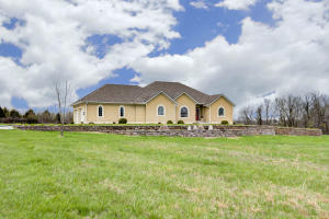 7127 West Old Sanders Road, Republic, MO 65738