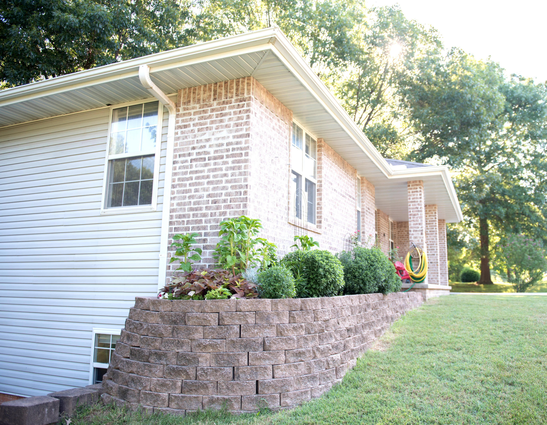 1403 East Melanie Lane Ozark, MO 65721
